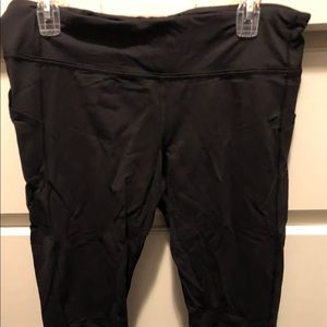 Size 12 GUC lululemon black run crop